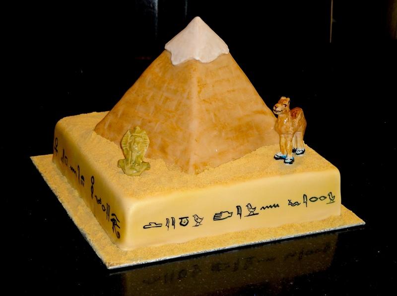 Great Pyramid of Giza 3D Cake