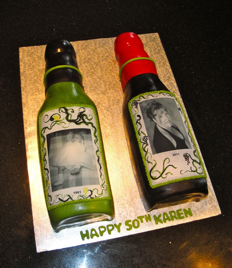 3D White and Red Wine Bottles Cakes