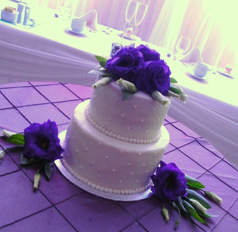 2 Tiered Wedding Cake with Purple Lisianthus