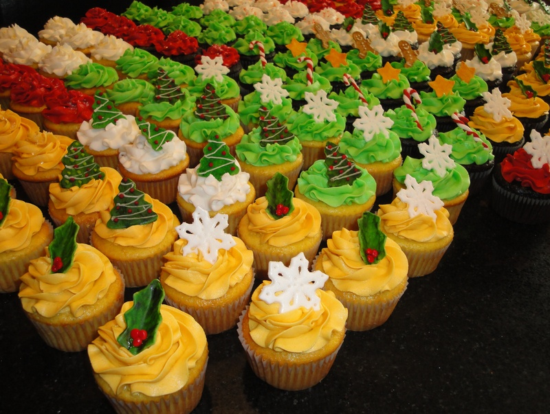 Colourful Christmas Cupcakes
