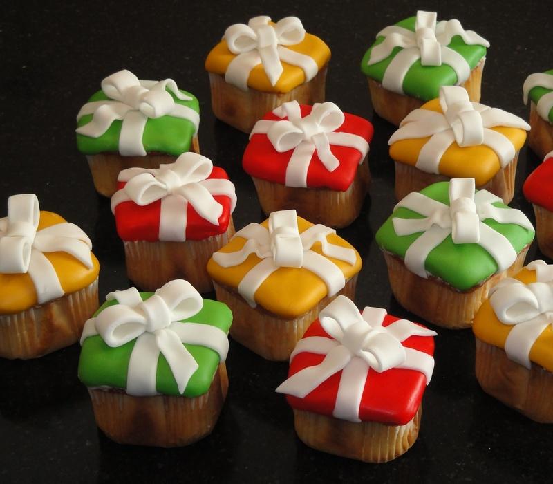 Christmas present Square Cupcakes