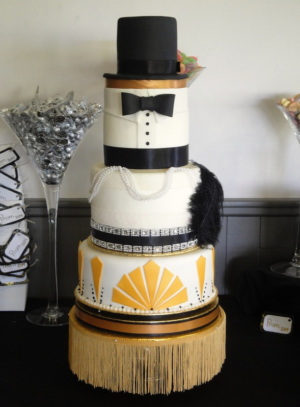 Gatsby Graduation Cake