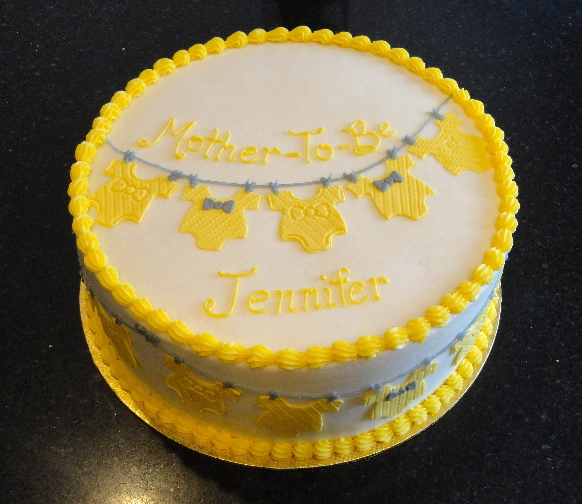 Baby Shower Mother-To-Be Cake