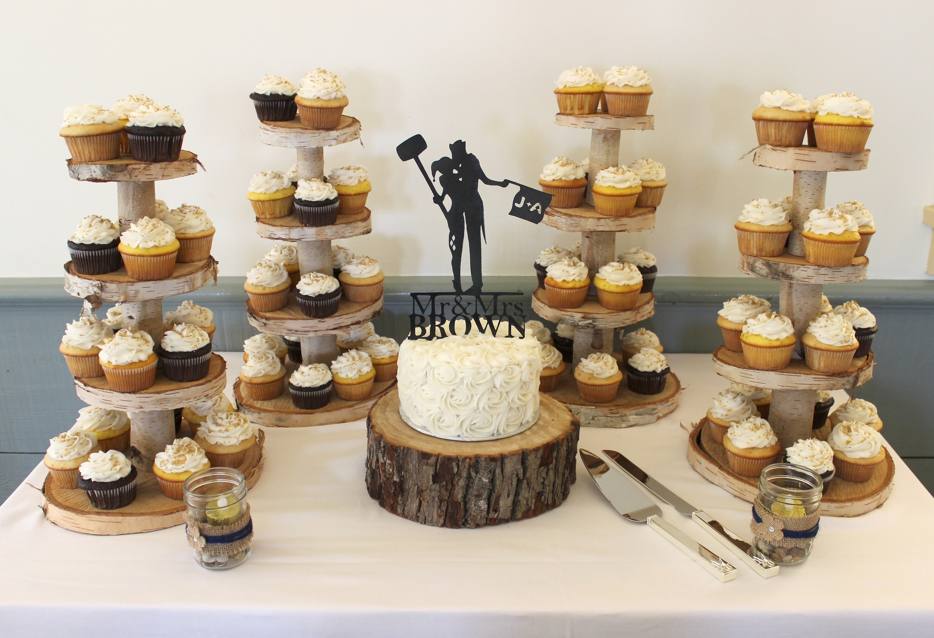 Rustic Theme Wedding Cake & Cupcakes