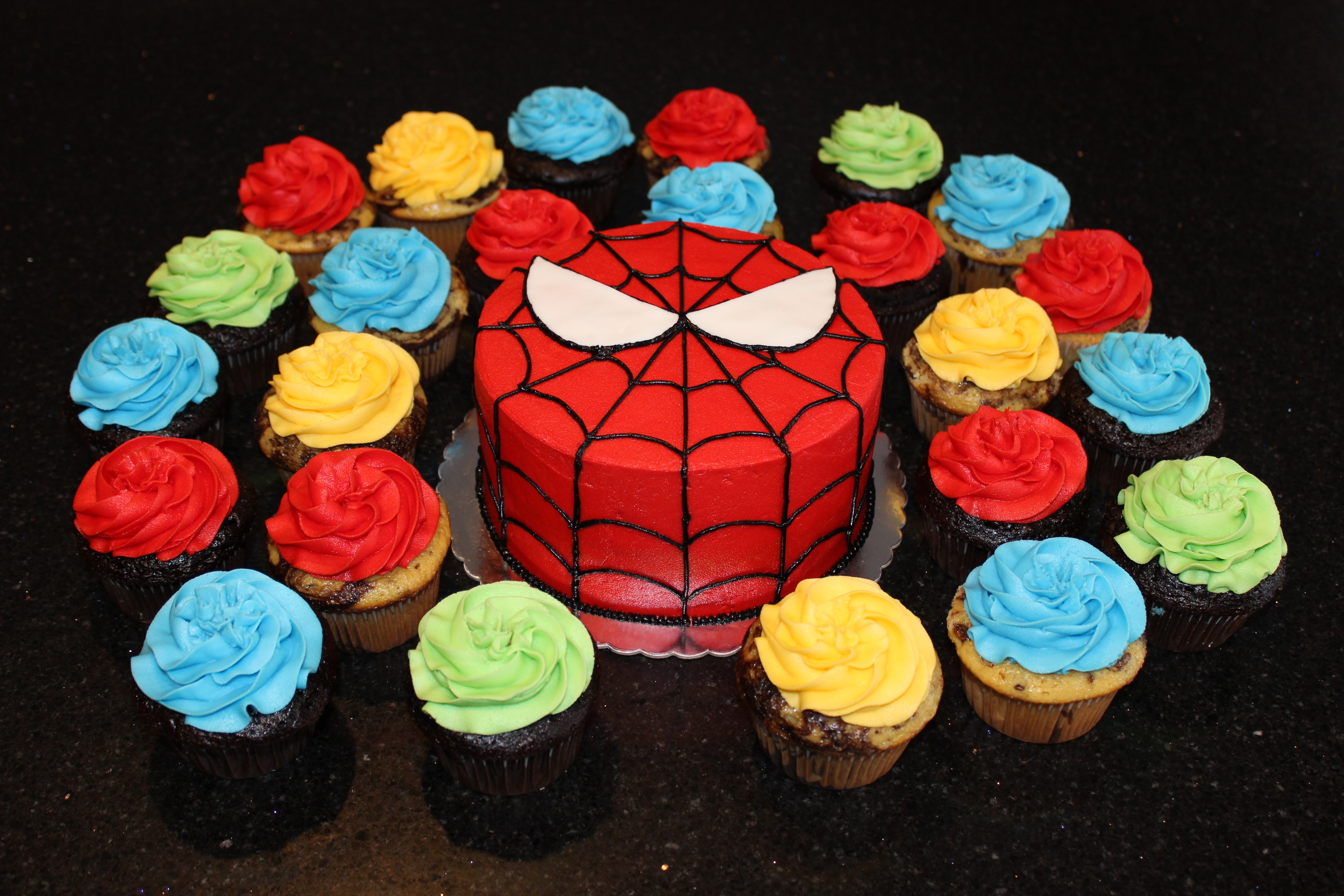 Spiderman Cake with Cupcakes