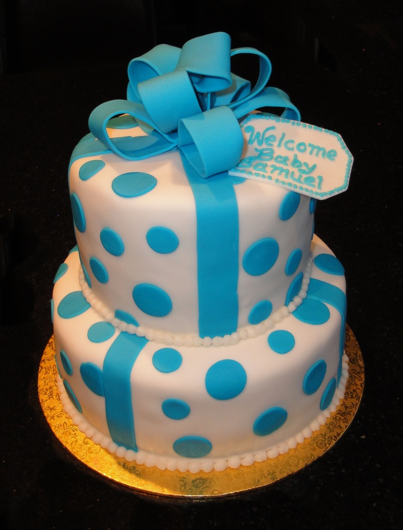 2 Tiered Present Cake