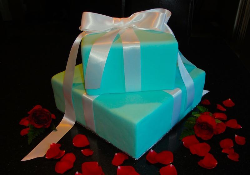 Tiffany Gift Box Wedding Cake