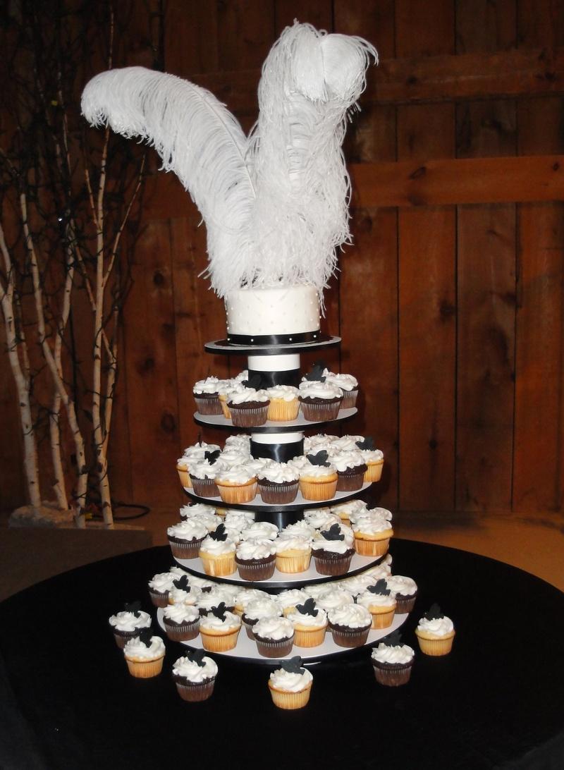 Black & White Wedding Cupcakes and Cake