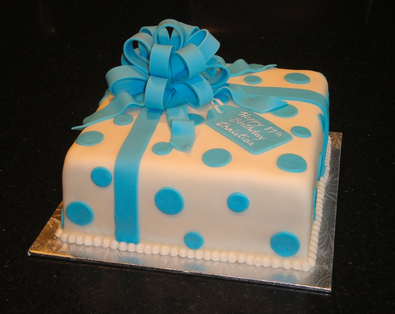 Cake With Fondant Ribbon : Photo Galleries