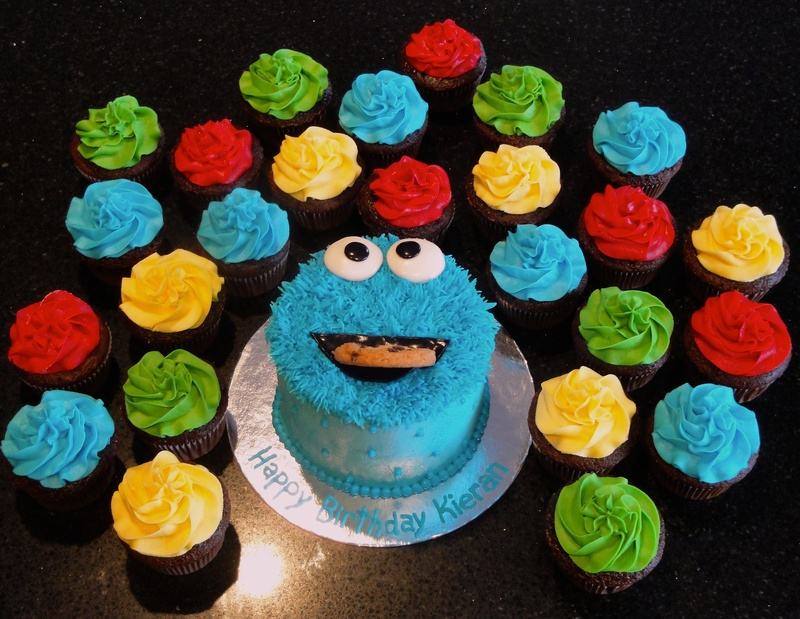 Cookie Monster Smash Cake & Cupcakes