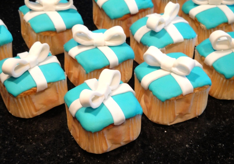 Mini Tiffany Present Cupcakes
