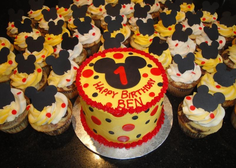 Mickey Mouse Theme Smash Cake & Cupcakes